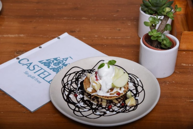 Castello-Cafe-Sign-guilt-free-located-in-the-heart-of-Mumbai